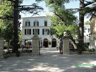 Domaine de Châteauneuf****