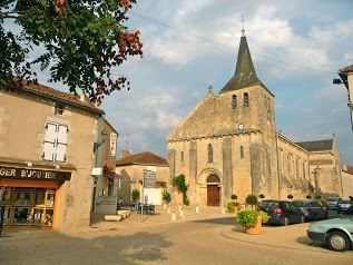 Office de Tourisme Lussac-les-Châteaux