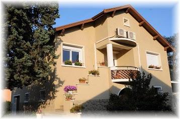 Le Cyprès Bleu chambres d' hôtes