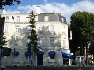 Le Royalty Hotel